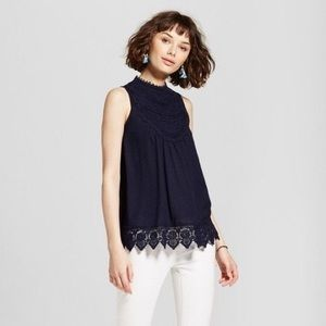 🔹NWT Indigo Crochet Neck/Hem Sleeveless Blouse🔹